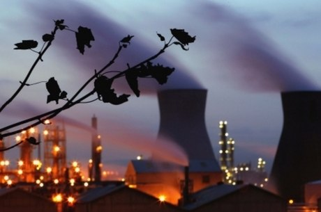 A indústria, o desmatamento e a agricultura são os maiores responsáveis pelo efeito estufa