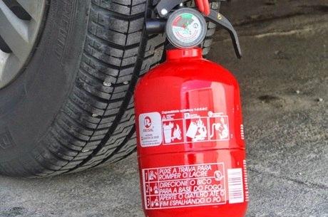 Novo extintor é mais eficiente e também mais caro que o antigo