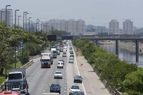 CET fiscaliza velocidade média na Marginal Tietê