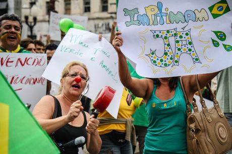 De acordo com os organizadores, do grupo Direita Pernambuco, mil pessoas participaram do protesto