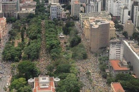 Praça da Liberdade foi ocupada por 24 mil pessoas