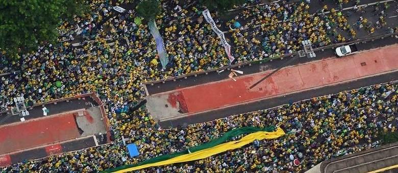 Paulista tomada: PM estima que ao menos 1 milhão de pessoas lotaram a avenida mais famosa de São Paulo