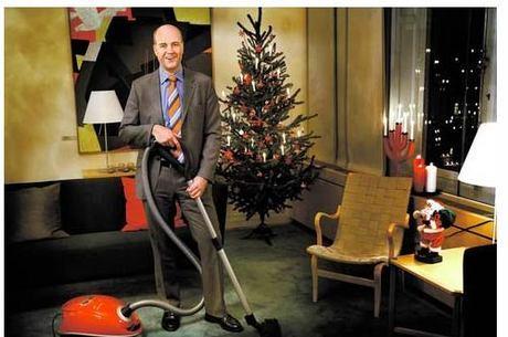 Primeiro-ministro da Suécia apareceu em 2008 no jornal Aftonbladet com dicas de limpeza