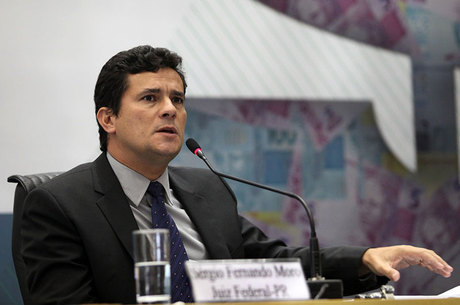 Sérgio Moro é o responsável pela Operação Lava Jato