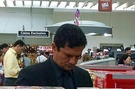 Na semana passada, Moro foi reconhecido em supermercado de Curitiba (PR) e recebeu palmas de outros clientes