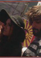 Bruna Marquezine e Marlon Teixeira trocam beijos em festival de música