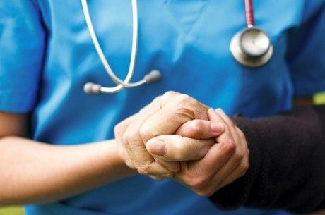 Portadores de Parkinson e Alzheimer aguardam por projeto