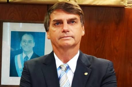 Bolsonaro diz ter tirado mil fotos em protesto na avenida Paulista