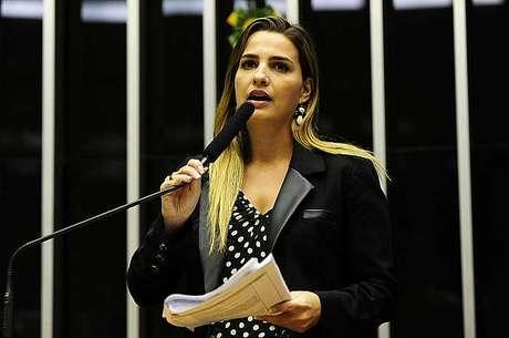 Deputada federal vai concorrer à prefeitura do Rio