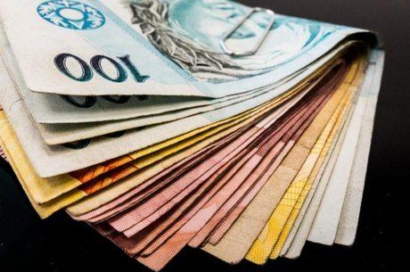 Pouco mais de 2 milhões vão receber R$ 3 bi