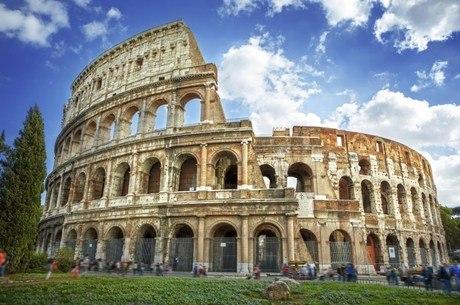 Arena começou começou no império de Vespasiano, em 72 d.C