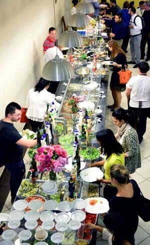 Preço médio da refeição no Brasil foi de R$ 27,36 em 2014, segundo levantamento