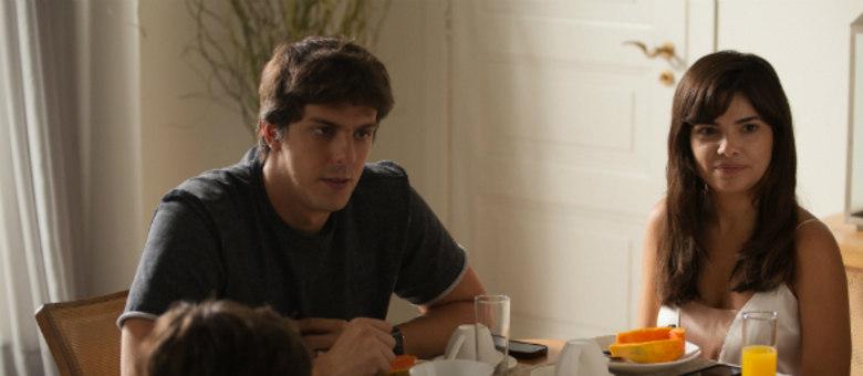 Rafael Infante e Vanessa Giácomo em cena do filme Divã a 2: comédia romântica sobre casamento em crise