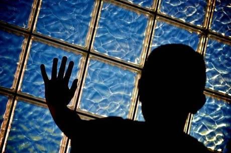 """""""Devolver"""" criança para abrigo pode ser desastroso, diz juiz"""