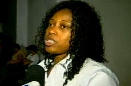 Edna Maria dos Santos, de 45 anos, foi discriminada por uma cliente