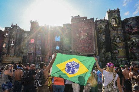 Tomorrowland 2015 levou 180 mil pessoas a Itu, em São Paulo