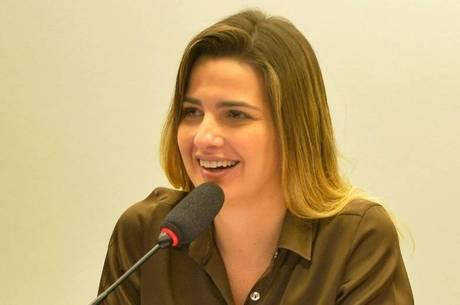 Clarissa Garotinho foi expulsa do partido por ter votado contra a PEC do teto de gastos