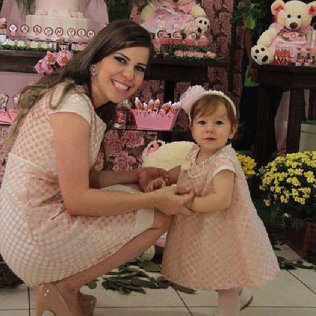 abd0f12ba9feba Mães e filhas com roupas iguais são hit em Brasília - Fotos - R7 ...
