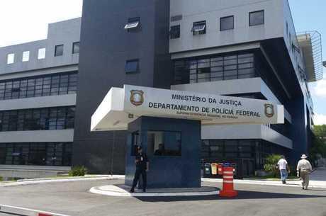 Os presos serão levados para a Superintendência da PF em Curitiba