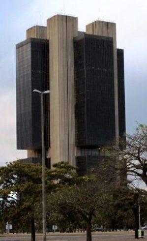 Banco Central enfrenta dilema para controlar a inflação