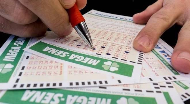 Mega-Sena paga mais de R$ 100 milhões para uma única aposta vencedora