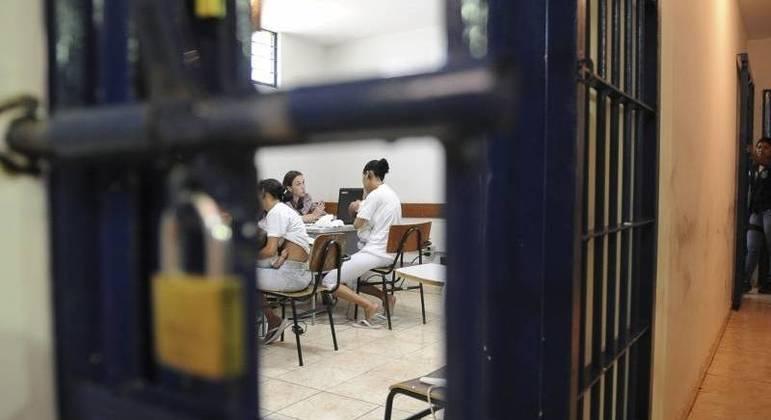Penitenciária Feminina do DF (Colmeia)