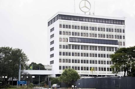 Mercedes-Benz em São Bernardo deu duas semanas de férias coletivas a todos os empregados do setor de produção