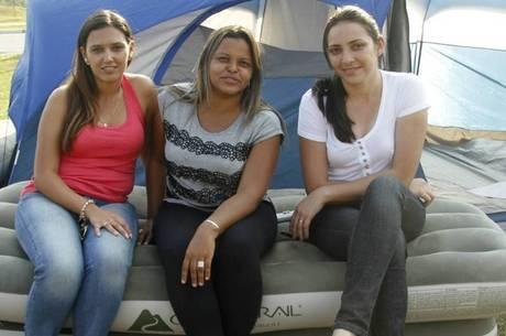 Juciara (centro) e as colegas Marta Oliveira e Patrícia Carneiro também foram demitidas da Mercedes