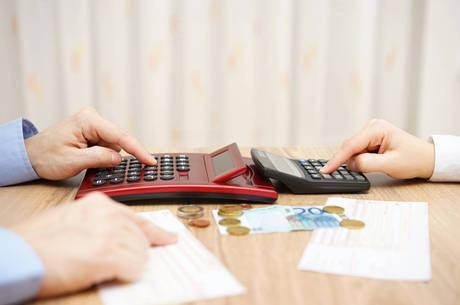 A fraca atividade econômica e os elevados custos atingiram em cheio o caixa das empresas ao longo de 2015