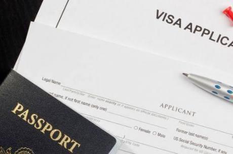 Consulados tentam agilizar a emissão dos vistos