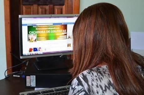 Crystal conta que tem mais de 1.300 pedidos de ajuda em seu e-mail