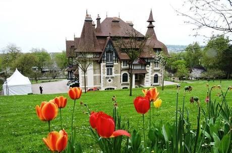 Belíssima Deauville é símbolo normando do luxo francês