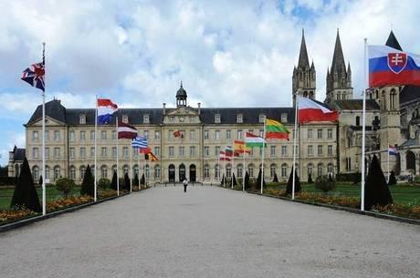 Centro de Caen tem construções históricas