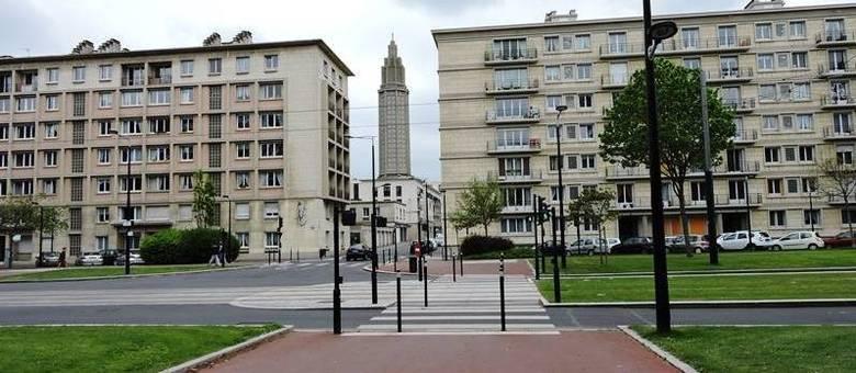 Prédios de Auguste Perret, em Le Havre, na França, transformaram a cidade em ícone do Modernismo