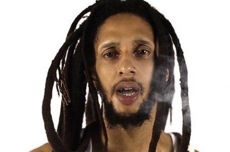 Julian Marley comemora legalização da maconha na Jamaica