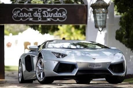 Lamborghini Aventador LP 700-4 Roadster apreendido na casa da Dinda, residência de Fernando Collor em Brasília