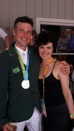Atualmente atriz está casada com o atleta Henrique Plombon e passou a viver com ele na Europa, além de acompanhá-lo em competições