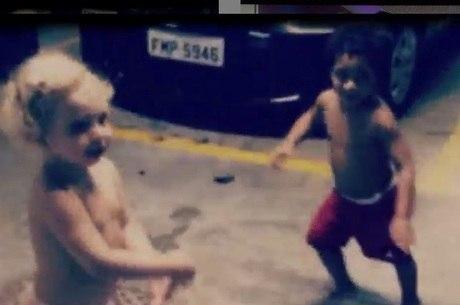 Brenda e Rafael se divertem dançando em vídeo