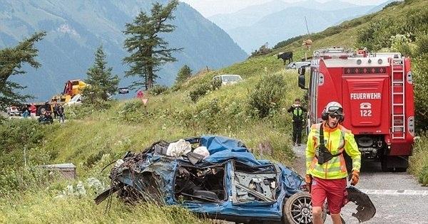 Club Accident Light Car