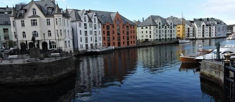 Após incêndio terrível, Ålesund foi reconstruída em estilo art nouveau. Clique e veja a galeria completa