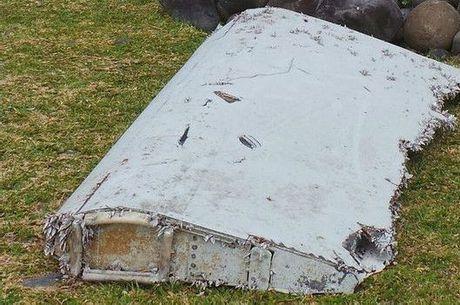 Asa de avião encontrada em uma ilha do oceano Índico na semana pertence ao voo MH-370 da Malásia Airlines