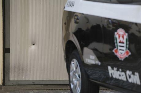 Garagem do instituto do ex-presidente foi alvo do ataque
