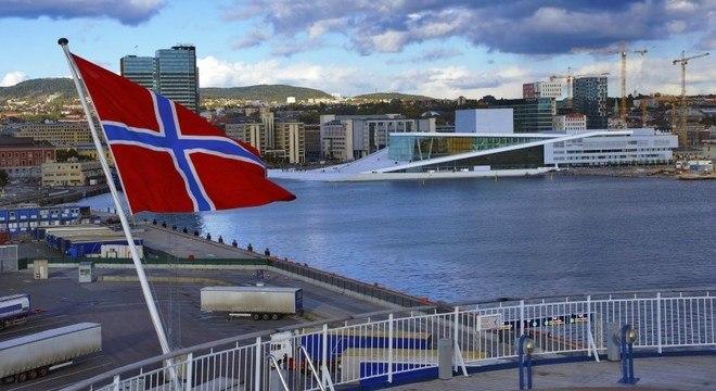 Resultado de imagem para carros elétricos na noruega
