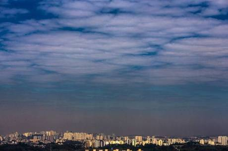 Sábado deve amanhecer com céu encoberto e temperatura de 18º C