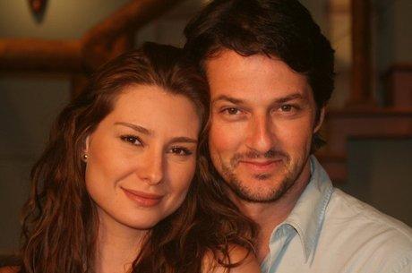 Clarice Luz (Lavínia Vlasak) e Daniel Avelar (Marcelo Serrado)