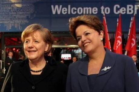Merkel parte nesta quarta-feira (19) rumo ao Brasil com seis ministros
