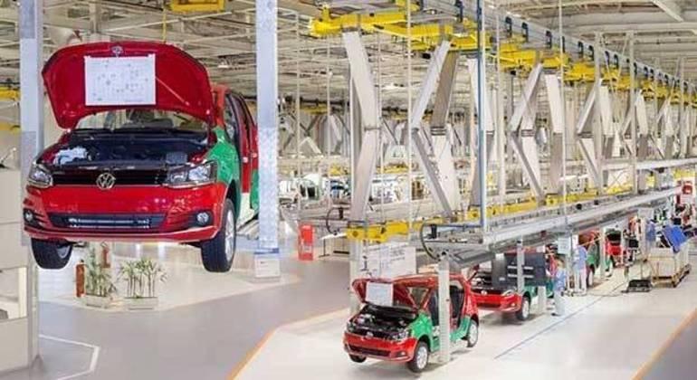 Fábrica da Volkswagen no Paraná, onde a linha de produção será interrompida no dia 7 de junho