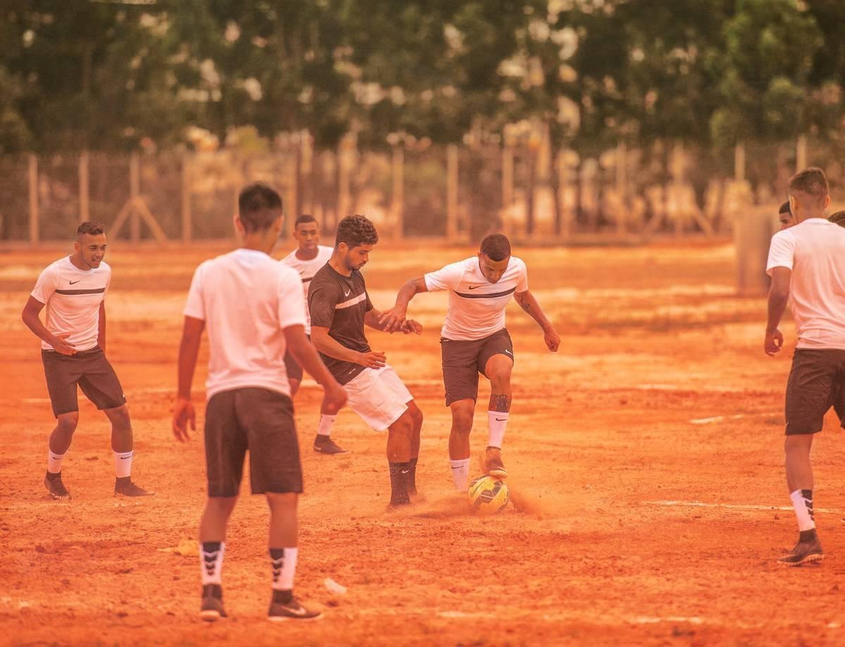 aabdb75bb33f6 Malcom volta ao terrão em campanha para nova camisa do Corinthians ...