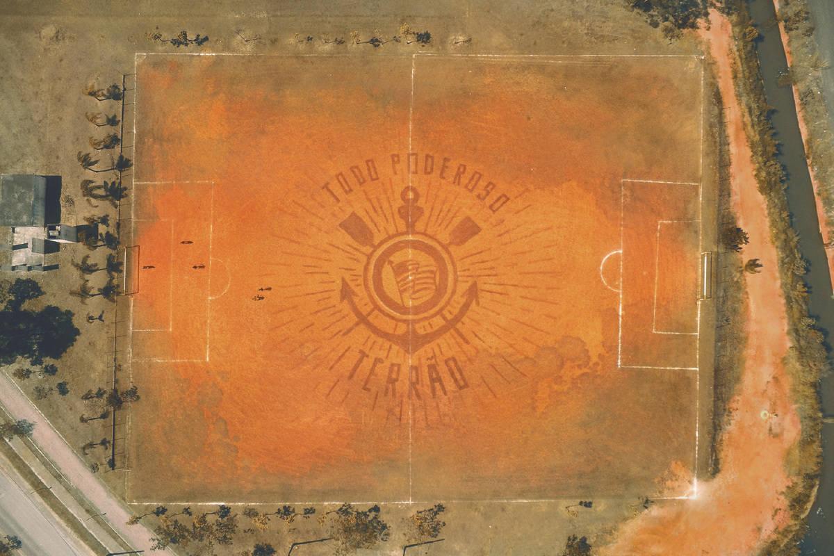 5797e8ae5d5c5 Malcom volta ao terrão em campanha para nova camisa do Corinthians - Fotos  - R7 Futebol