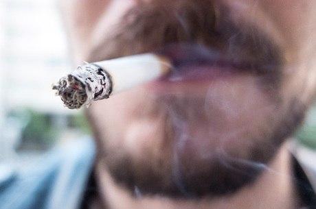 Proibição do consumo de cigarros em locais de uso coletivo foi aprovada em 2014